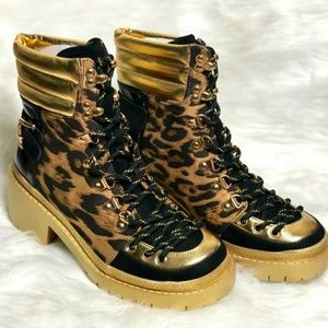 Shoes - Women Leopard print boot